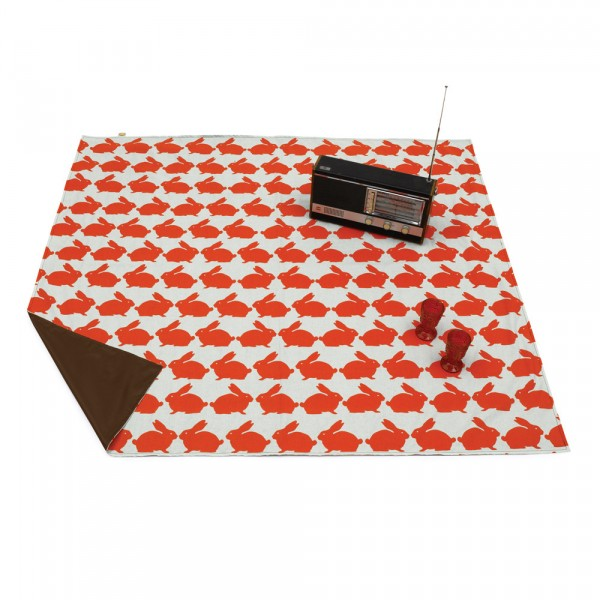 1kissing-rabbits-picnic-blanket