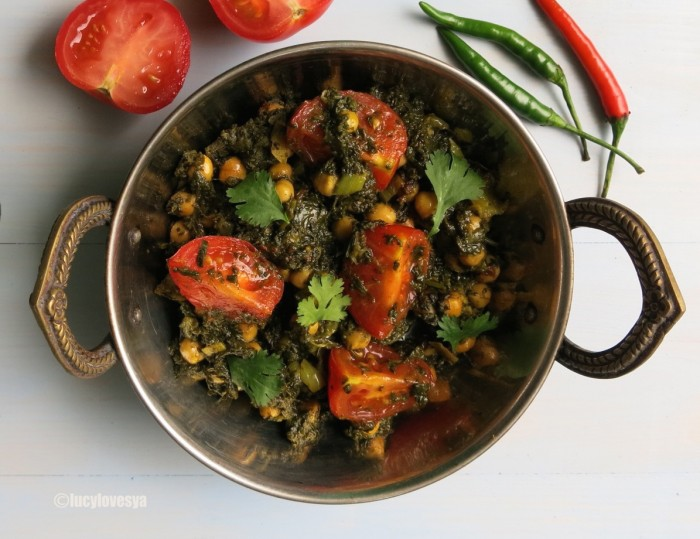 Saag Chana Chat