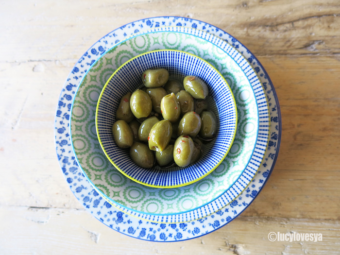 olives-in-dotcomgiftshop-bowls