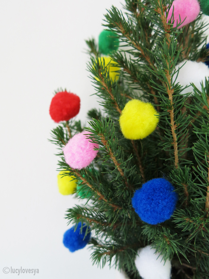 pom-pom-christmas-tree