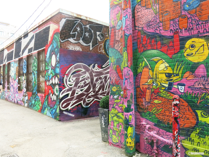 graffiti alley toronto street art color colour visit