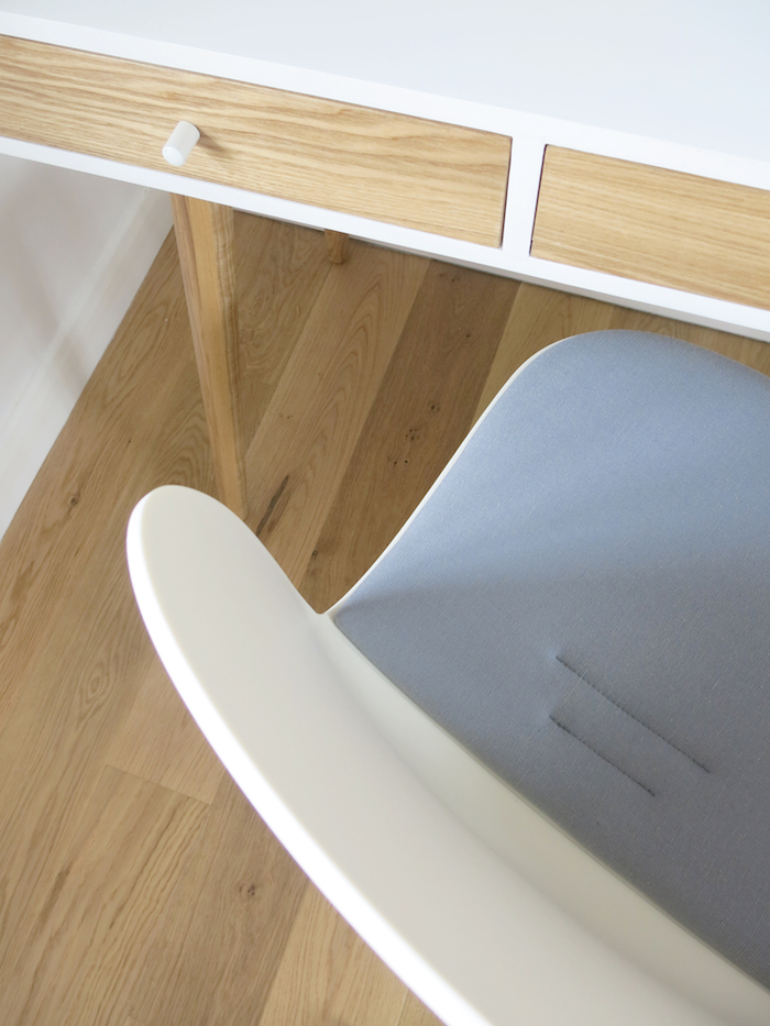 RBM Noor Flokk Chair Grey White Wooden Desk