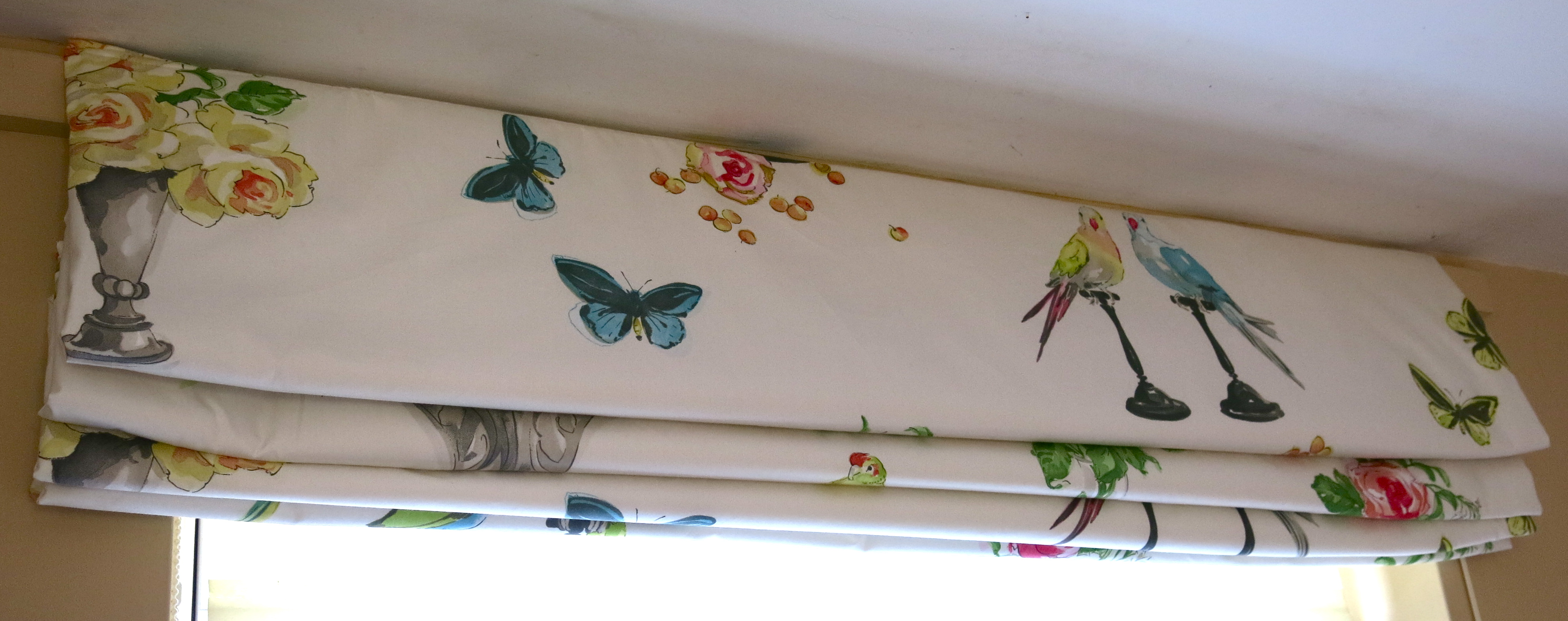 As Promised Recently Having Shown You My New Sewing Room Roman Blinds Here Is A Tutorial On How To Make One For Yourself I Ve Had Some Emails And Tweets