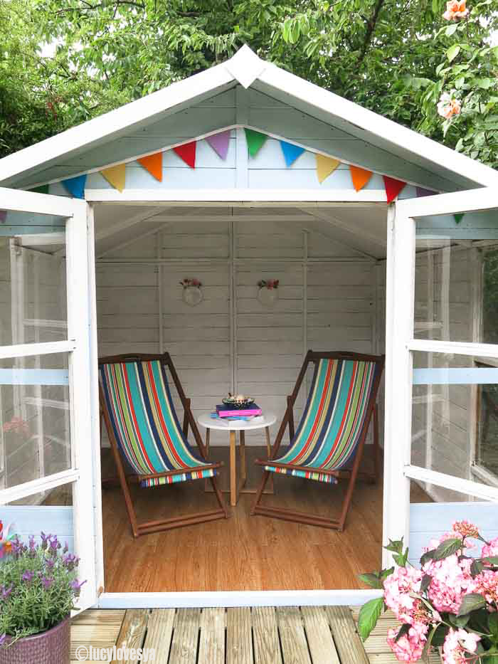 Covered DeckChairs