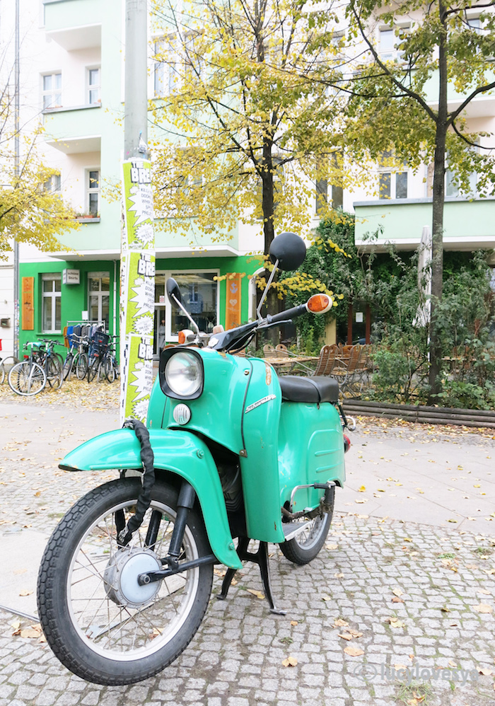 berlin-in-greens moped retro germany travel