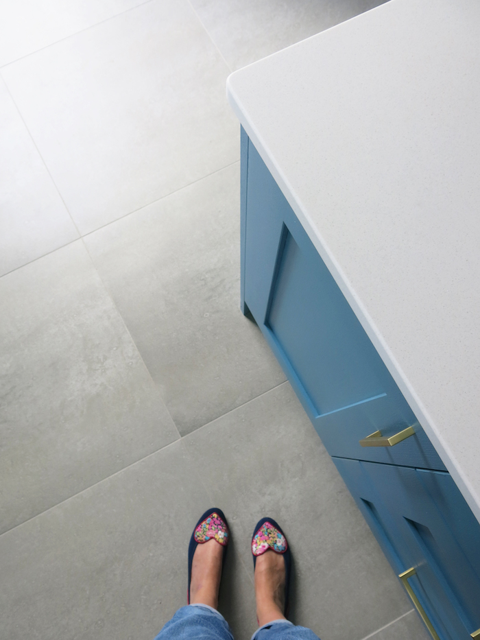 Grey floor tiles kitchen large slabs