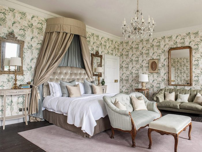 stately home grand bed wallpaoer Goodnestone Hall rowan plowden